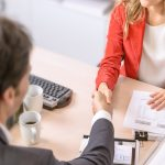 Työhaastatteluun valmistautuminen – ammattilaisten vinkit